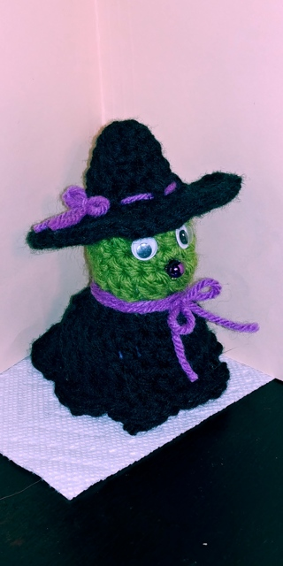Crochet Witch (B-7304) Purple trim
