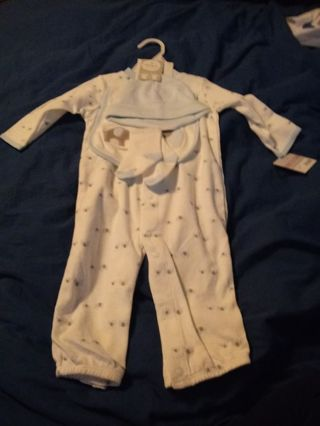 New Carter's Layette Set