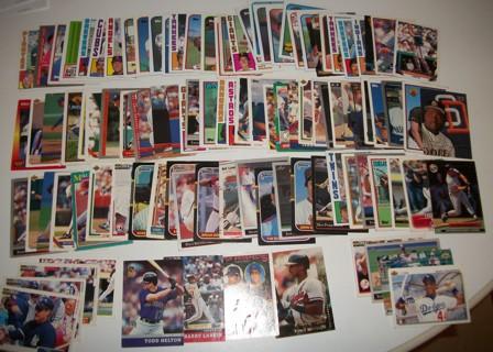 Lot of 102 Baseball Cards