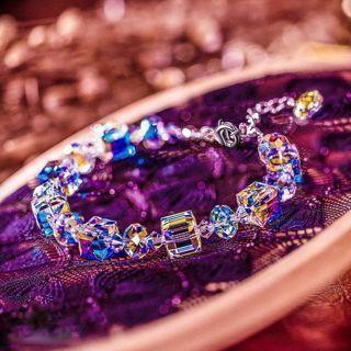 [GIN FOR FREE SHIPPING] Women Aurora Borealis Crystal Bracelet Square