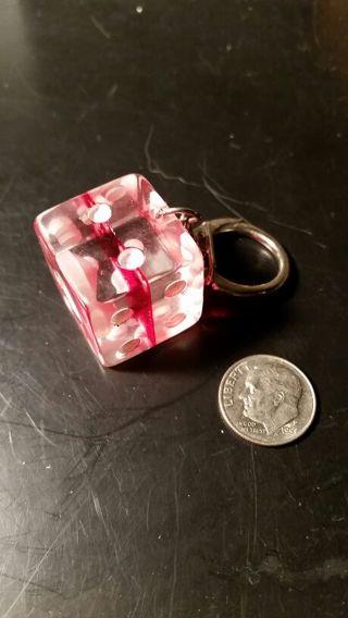 Retro large dice keychain.