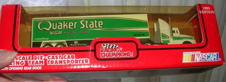 MIB 1993 Racing Champions QUAKER STATE Team Transporter TRUCK