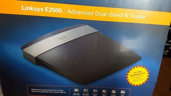 Linksys E2500 Advanced Simultaneous Dual-Band Wireless-N