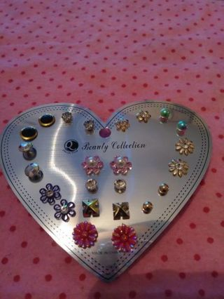 ❤✨❤✨❤12 BRAND NEW PAIRS OF ASSORTED STUD EARRINGS❤✨❤✨❤ALL DIFFERENT! (ONLY 1!)