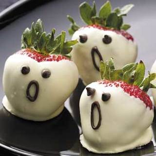HALLOWEEN - Strawberry Ghosts