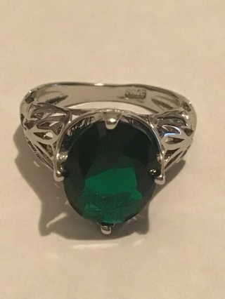 Costume pretty green tone ring marked s 925
