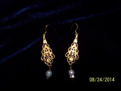 pretty goldtone earrings