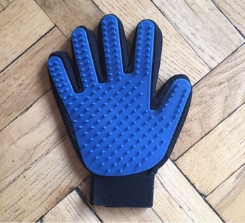 The Pet Deshedding Glove
