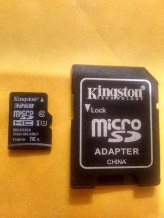 Kingston 32GB MicroSD card + MicroSD Adapter