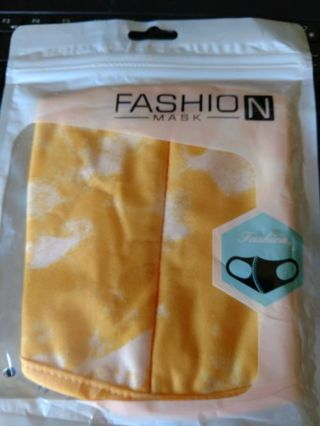 NIP Yellow and White Tie Dye Adult Facemask