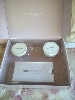 Sheer Cover Studio Make-Up