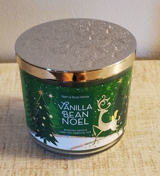 Bath & Body Works Vanilla Bean Noel 3 Wick Candle