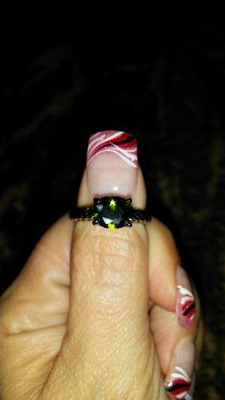 BEAUTIFUL DIAMOND'S IN CANDLE RING!!