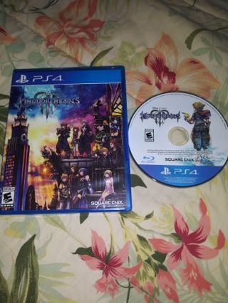 PS4 KINGDOM HEARTS 3...FREE SHIPPING WITH TRACKING...NON SMOKING HOME...VERY GOOD CONDITION...