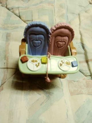 Dollhouse twins highchair