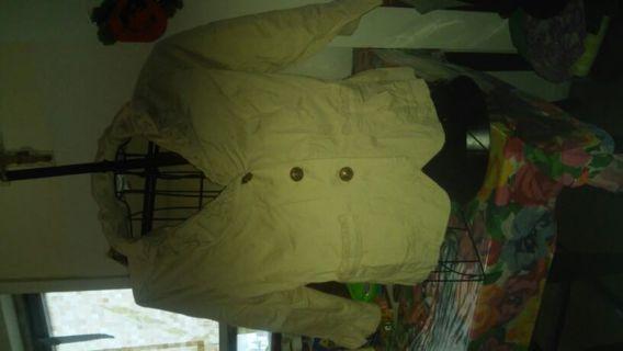 Beige. Light jacket size xlarge.