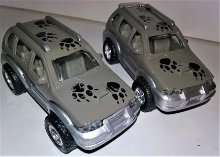 "2 Free-wheeling die-cast metal Safari Cars - 3 3/4"" long - doors do not open"