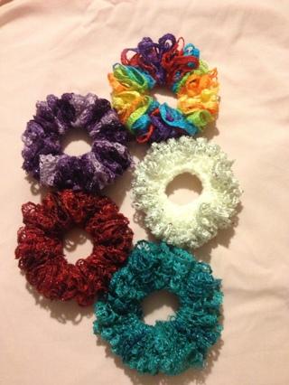 Free Handcrafted Sashay Yarn Crochet Hair Scrunchies Hair Tools