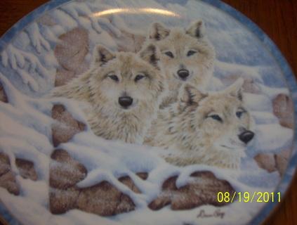 Bradford Exchange Wolf Plates