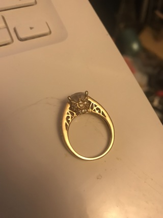 Size 8 10k gold Quartz crown ring!!!