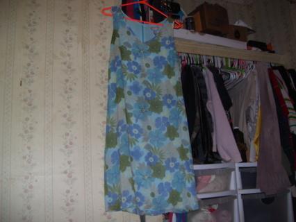 Really pretty Old Navy dress size 10