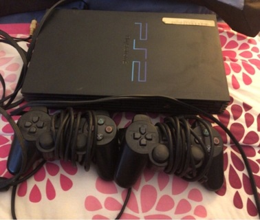 Playstation2/6 games/2controllers