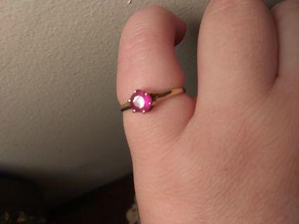 10k gold gorgeous vintage ultra pink ring ❤