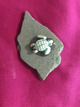stone with turtle  id   BC