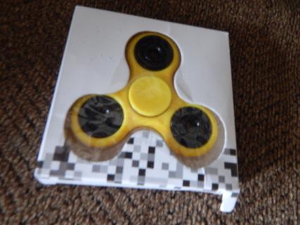 The Popular Kids Hand Spinner (Yellow) Brand New
