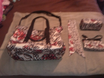***ANOTHER 4 PIECE COACH AUCTION*** DAISY POPPY FLORAL GRAFFITI!! CREED # B1120-F16914