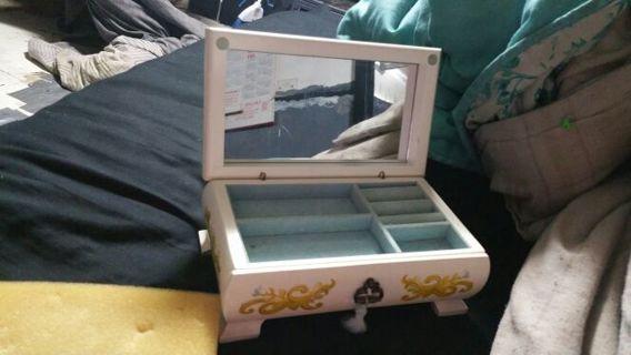 Pretty jewerly box