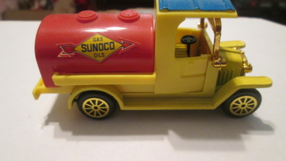 LOT OF 3 TRUCKS-SUNOCO TRUCK,THE NEW YORK TIMES TRUCK,STROEHMANN'S BAKERY TRUCK
