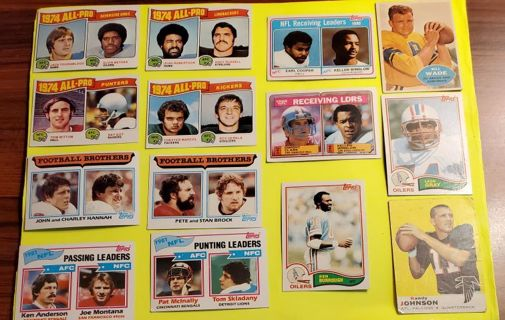 ☆ Estate Collection of 14 Vintage Football Cards ☆ (Lot #3)