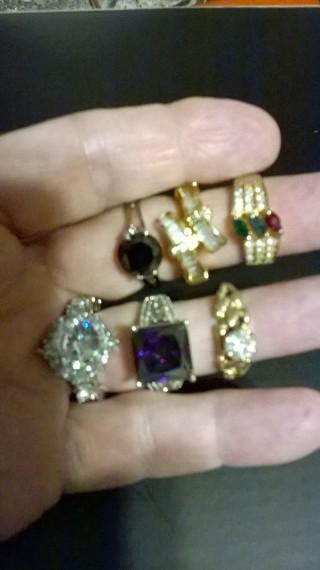 Lot of 6 Rings