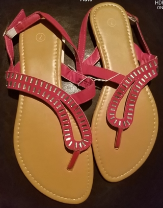 NWT! Ladies Cute Sandals Size 7