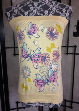 Cute yellow butterfly print top size Large