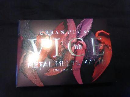Urban Decay Vice Metal meets Matte Lipstick Palette