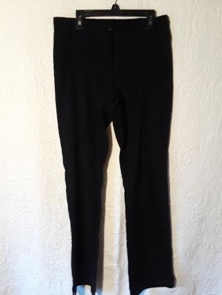 Women black velvet pant (7/8)