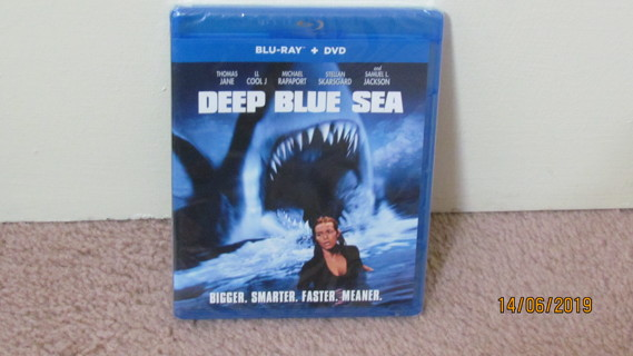 Deep Blue Sea Blu-Ray, NEW in Package
