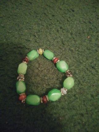 ❤ Chunky green Jade bracelet! ❤