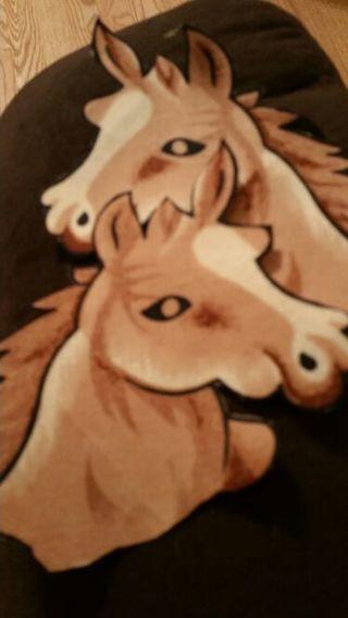 2 horse head iron ons cloth