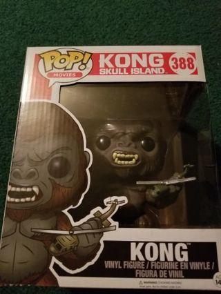 Kong 6 inch funko pop + 4 funko pop keychains