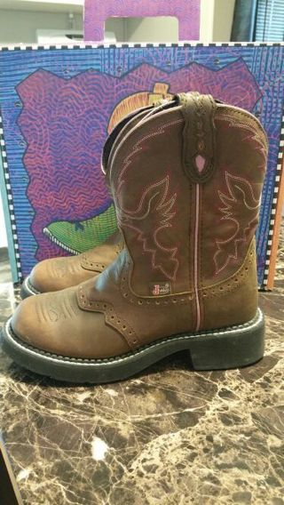 Justin Boots Size 6B Brand New Never Worn