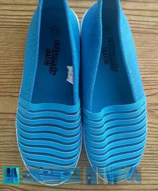 GIRLS BLUE  FLATS