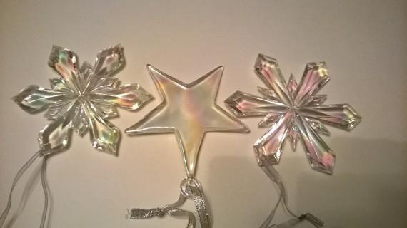 6 Acrylic Icy Snow Flakes/Stars with ribbon loops to Hang Ornaments