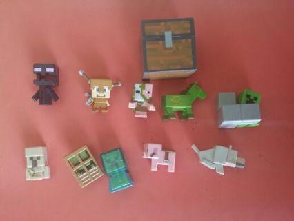 MINECRAFT LOT- 11 Pieces