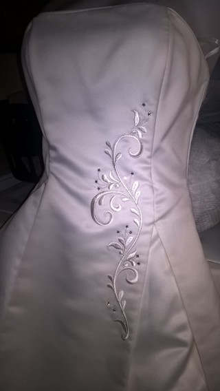 Super Sweet Listing ! Size 8 Wedding Dress Creme (EXCL CON) FREE SHIP POSS >>(USE GIN+EXTRA GOODIES)