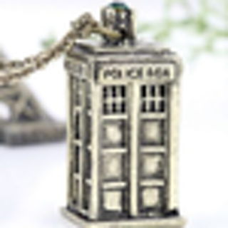**AMAZING** Dr. Who Pewter Tardis Necklace! Brand new!