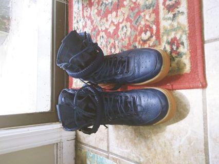 Men size 7 Nike boots