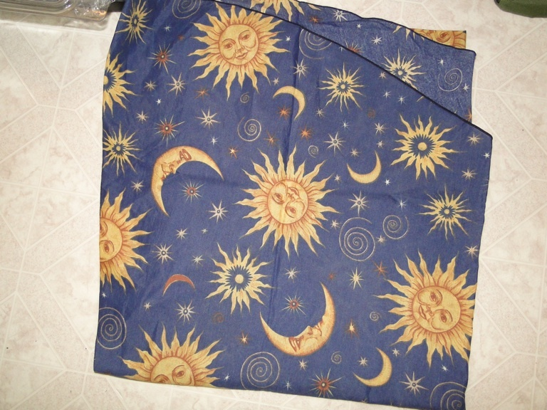 Free Sun Moon Amp Stars Celestial Round Table Cloth 64